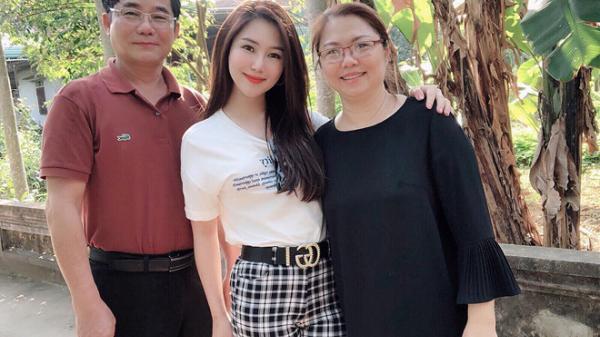 Ca sĩ Hương Tràm về Nghệ An ăn Tết cùng gia đình
