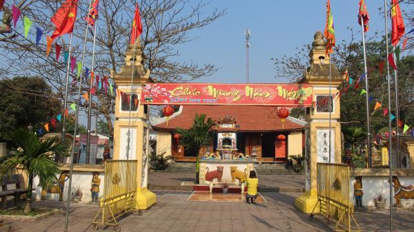 Huyền tích về ngôi đền linh thiêng chôn cất 100 cá voi ở xứ Nghệ