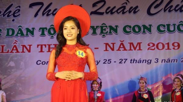 Chân dung nữ sinh lớp 12 Nghệ An đăng quang danh hiệu Người đẹp trang phục dân tộc