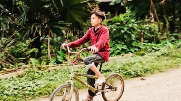 Sáng nay, chiếc xe đạp của cậu bé Sơn La đi xuống Hà Nội đạt mức giá cực kỷ lục