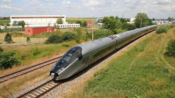 Khi nào đi đường sắt Vinh - Hà Nội chỉ mất 1h30 phút?