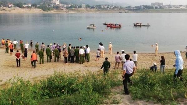 Rủ nhau ra sông tắm, 4 em học sinh cùng c.hết đuối thương tâm trên sông