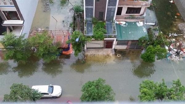 Nhiều nơi ở Nghệ An-Hà Tĩnh chìm trong nước mưa