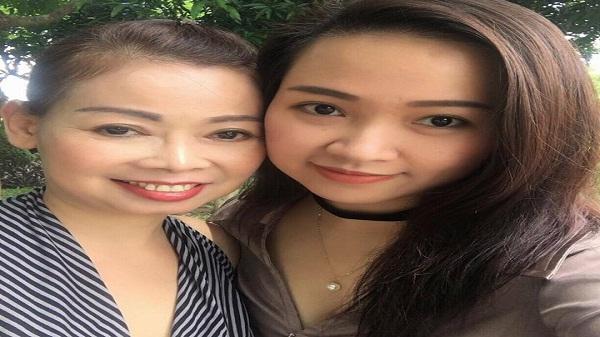 Ngày 20/10, con gái lên Facebook tìm chồng cho mẹ tuổi 50 'gây sốt'