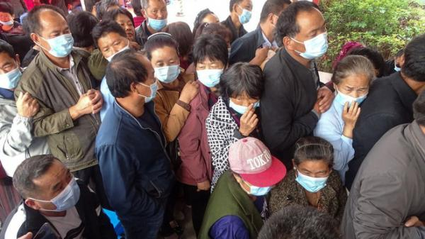 """""""Bóng ma"""" COVID-19 trở lại, TQ hành động thần tốc: Trong 1 ngày tiêm gần 14 triệu liều vaccine"""