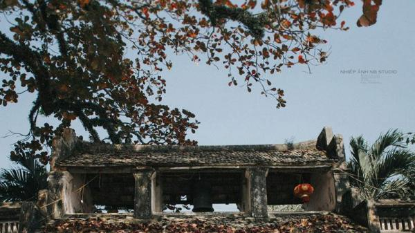 Ngôi chùa cổ ít người biết ở Ninh Bình đẹp như miền cổ tích trong bộ ảnh cưới
