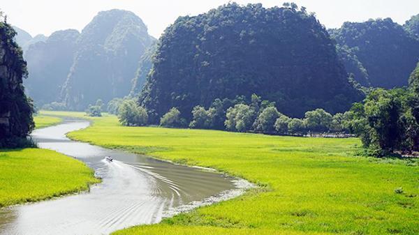 Xây dựng Ninh Bình thành vùng du lịch trọng điểm quốc gia