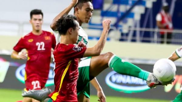 """Báo Trung Quốc """"sốc"""" vì tuyển Việt Nam nhận mức thưởng quá ít, chưa bằng """"số lẻ"""" của đội nhà"""