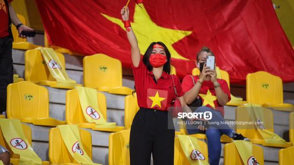 Fan quốc tế bày tỏ sự khó hiểu và bức xúc vì những hành động quá khích của nhiều fan Việt Nam