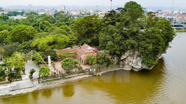 """Chiêm ngưỡng """"núi thơ"""" độc đáo nhất Việt Nam ở Ninh Bình"""