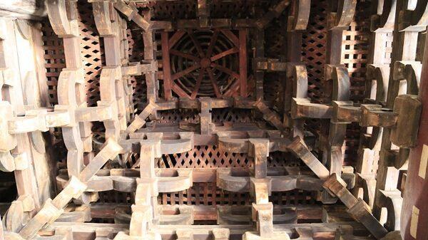 Công trình nghìn tuổi sánh ngang Tử Cấm Thành - 4 KHÔNG: Dựng không cần đinh, chim không dám đậu, gỗ không có mọt, bụi không bám nổi!