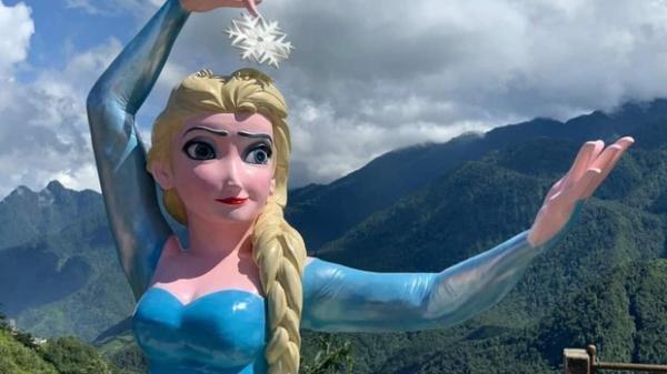 """Hoá ra Nữ hoàng băng giá Elsa """"đột biến"""" ở Sa Pa """"cùng nhà"""" với Nữ thần Tự do bị ném đá 2 tháng trước: Cơ quan chức năng xử lý thế nào?"""