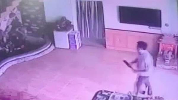 Ám ảnh clip hiện trường vụ người phụ nữ bị chém dã man trong nhà nghỉ ở Ninh Bình