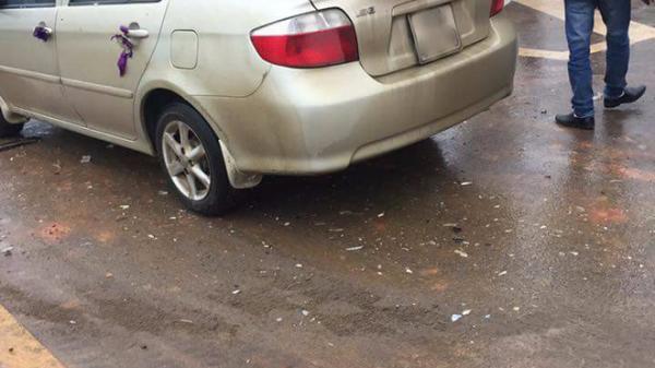 Xe cưới gặp tai nạn bẹp dúm đầu khi đang đưa cô dâu về nhà chồng