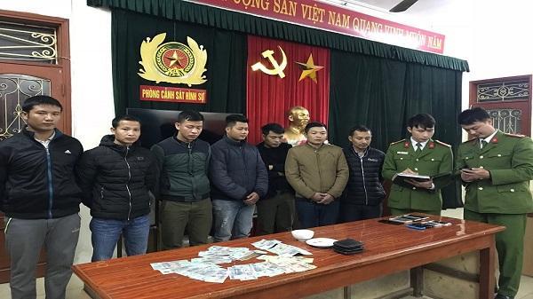 Công an Ninh Bình bắt quả tang 7 đối tượng đánh bạc, thu hơn 45 triệu đồng