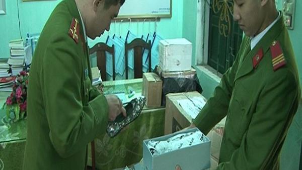 Bắt xe khách chở hàng hóa nhập lậu do 1 người đàn ông Ninh Bình vận chuyển