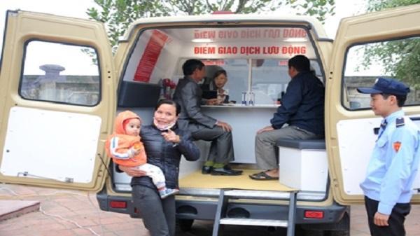 Ninh Bình: Khai trương Điểm giao dịch lưu động bằng xe chuyên dùng