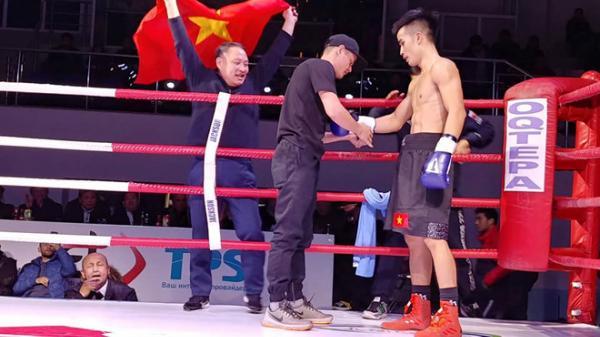 """""""Phục thù"""" giúp U23, tay đấm Việt hạ gục võ sĩ Uzbekistan ngay thủ đô chủ nhà"""