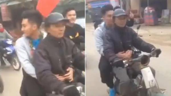 """Bỏ ô tô """"sang chảnh"""" đưa đón khi thấy bố chạy xe máy cũ mèm theo, thủ môn U23 Việt Nam lao ngay xuống để được đi với bố về nhà"""