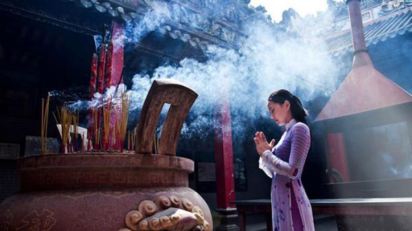 """Không phải ai cũng biết ở Ninh Bình có một ngôi chùa cầu duyên nổi tiếng, """"khi đi lẻ bóng, khi về có đôi"""""""