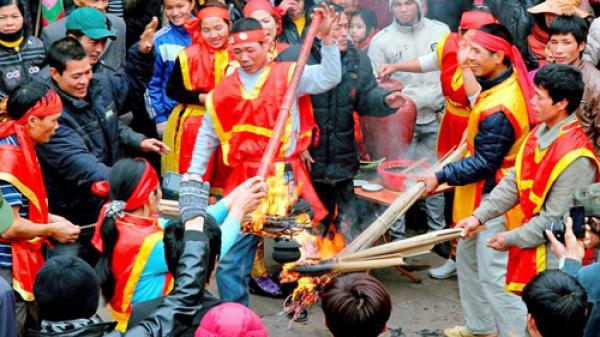 Không chỉ có Tràng An, Bái Đính... đến Ninh Bình bạn không nên bỏ qua lễ hội này!