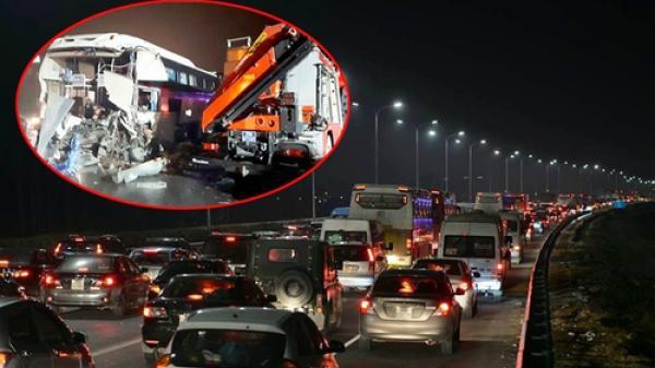 Vụ tai nạn khiến gần 20 người thương vong trên Pháp Vân - Cầu Giẽ: Người Việt không tuân thủ luật lái xe trên cao tốc'?