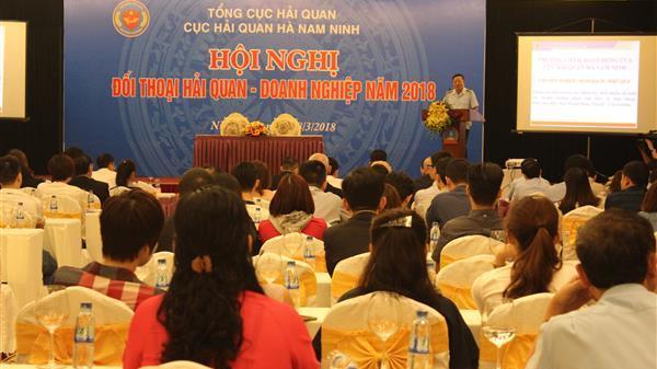 Đối thoại với 300 doanh nghiệp có hoạt động trên địa bàn Ninh Bình, Nam Định