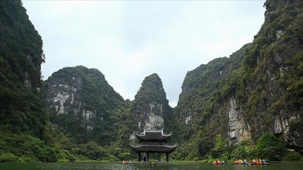 Vài suy nghĩ nhân 1050 năm nhà nước Đại Cồ Việt: Đưa du lịch Ninh Bình trở thành ngành kinh tế mũi nhọn