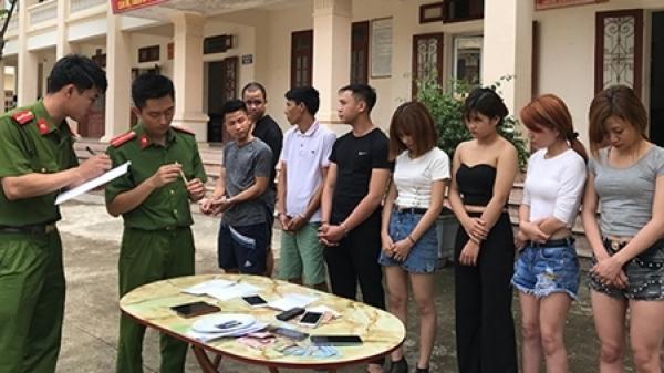 Ninh Bình: Bắt giữ nhóm đàn ông phê ma túy cùng 4 cô gái trong quán karaoke Luxury