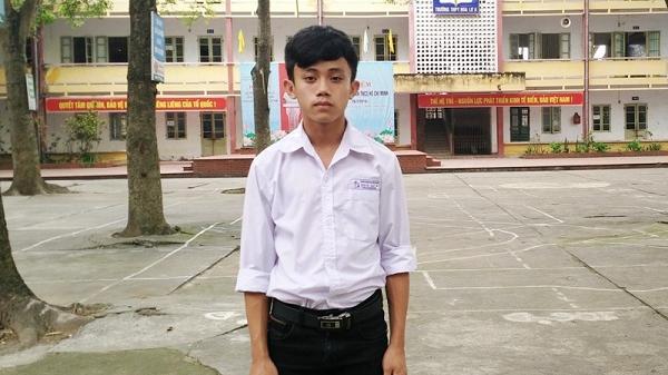 """Nam sinh Ninh Bình sáng tạo ra máy phun thuốc trừ sâu """"có tay"""" và cuộc trò chuyện cực thú vị"""