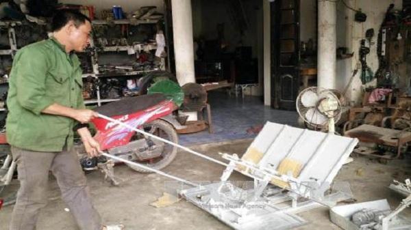 Nông dân Ninh Bình sáng chế máy hỗ trợ việc đồng áng