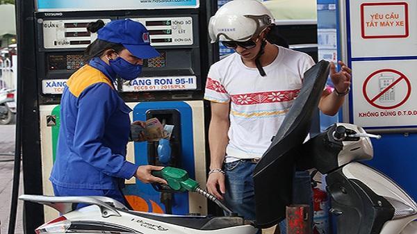 Xăng có thể tăng giá chiều nay
