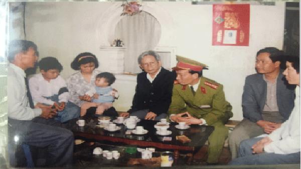 Xúc động câu chuyện về người công an có trái tim quả cảm Nguyễn Văn Ngữ