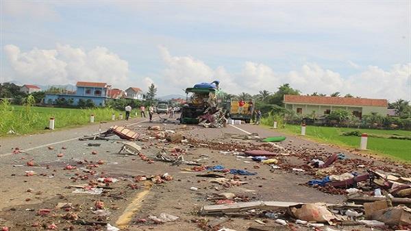 Tai nạn giao thông thảm khốc, làm 5 người chết, 4 người bị thương