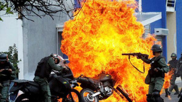 """Tổng thống Venezuela Maduro: """"Colombia nhận lệnh trực tiếp từ Nhà Trắng để ám sát tôi"""""""