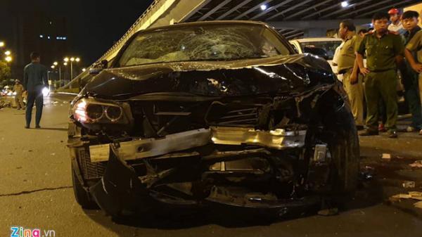 Nữ tài xế BMW đâm 5 xe máy ở Sài Gòn, 1 người ch.ết