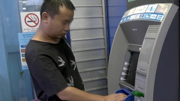 NÓNG: Nhiều khách hàng ở Ninh Bình bị kẻ gian rút mất tiền trong thẻ ATM VietinBank