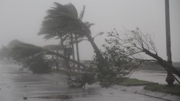 Xuất hiện siêu bão gần Biển Đông có sức gió mạnh nhất 200 km/giờ, giật trên cấp 17