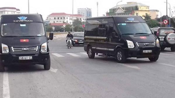 Bến xe Ninh Bình náo loạn vì 40 lái xe khách tụ tập phản đối xe Limousine