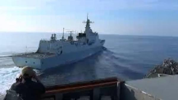 Anh công bố video tàu Trung Quốc đe dọa đâm chiến hạm Mỹ trên Biển Đông