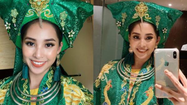 """Hoa hậu 18 tuổi Tiểu Vy múa điệu Chầu Văn """"Cô đôi thượng ngàn"""" trong phần thi """"Dance Of The World"""""""