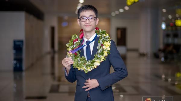 Phản biện xuất sắc: Cậu học trò bị BTC không công nhận kết quả vươn lên thành người Việt đầu tiên giành HCV Olympic Thiên văn học quốc tế