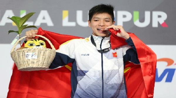 Kình ngư 15 tuổi Kim Sơn phá kỷ lục quốc gia SEA Games 29