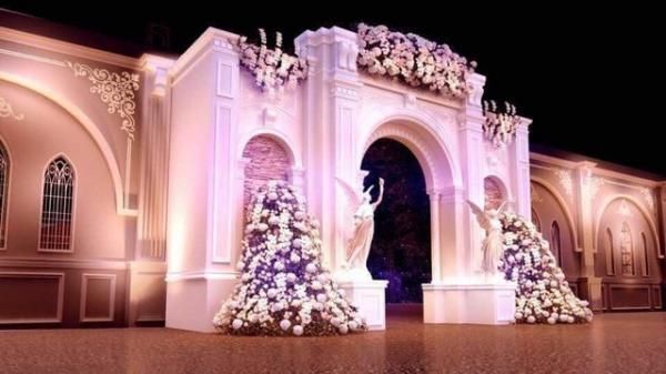 Rạp đám cưới 2,5 tỷ đồng, trang trí như cung điện gây xôn xao dư luận