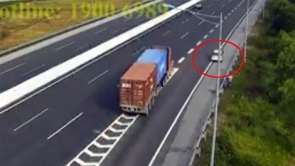 Clip: Ôtô mang BKS Hải Dương lùi trên cao tốc, đe d.ọa tính m.ạng nhiều người