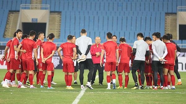 Đội tuyển Việt Nam đón tin cực vui ngay trước trận bán kết lượt về, thầy Park mừng ra mặt