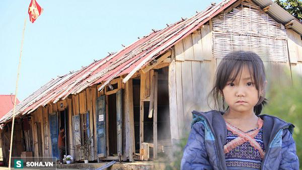 Xót xa cảnh học sinh Điện Biên ở ngôi trường sắp sập vẫn ăn 'cơm không', đi chân trần trong giá rét