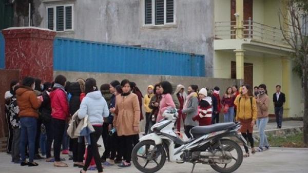 Hơn 300 công nhân nghỉ việc đòi lương
