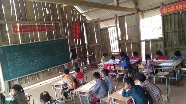Xúc động tuyển thủ Việt Nam mang mùa đông ấm đến cho học sinh vùng cao Tây Bắc