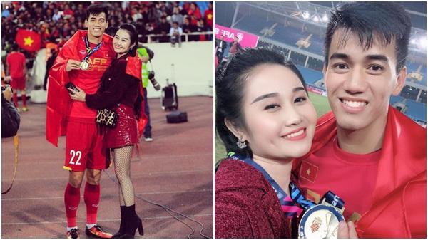 """Gia thế giàu có, nhan sắc khả ái của bạn gái cầu thủ Tiến Linh (Hải Dương) - """"cơn gió lạ"""" trong đội tuyển Việt Nam"""
